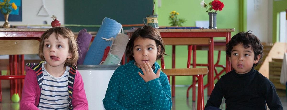 formation enseignants enfants concentrés classe publique montessori