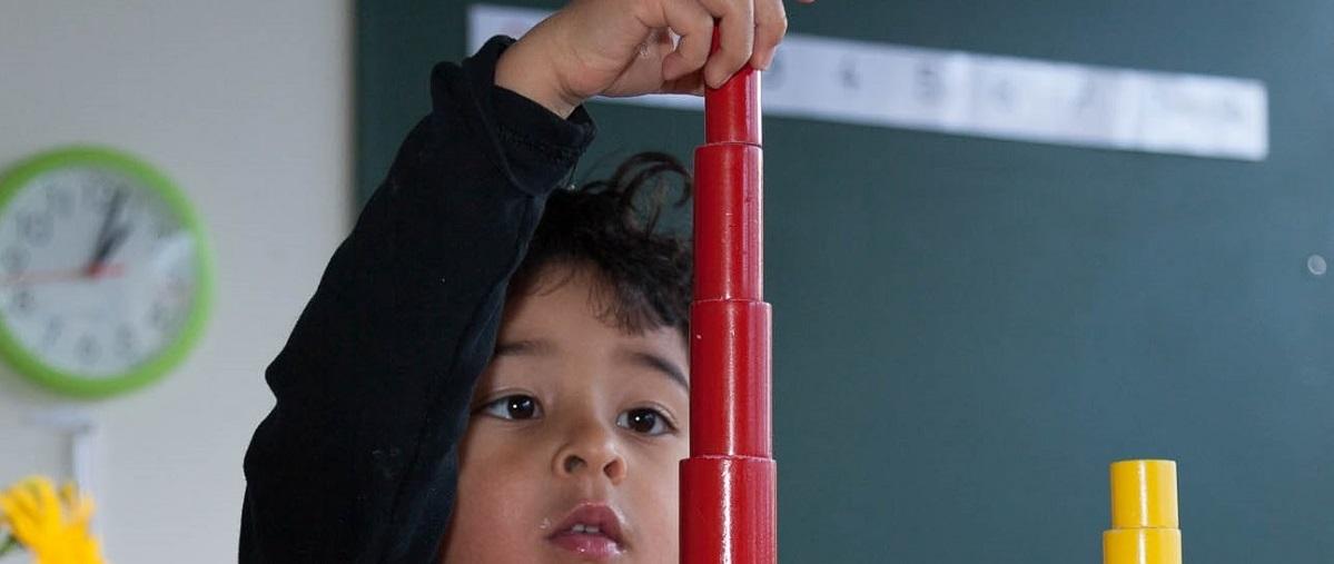 cylindres colorés Montessori formation Montessori des enseignants